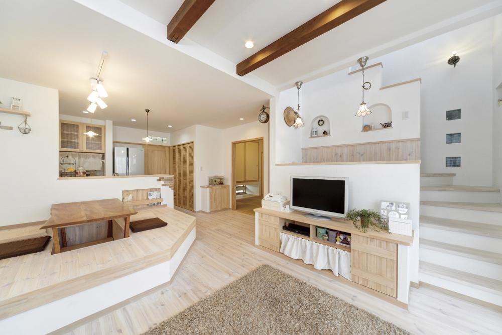 南欧風のかわいい家のリビング、シンプルさが魅力