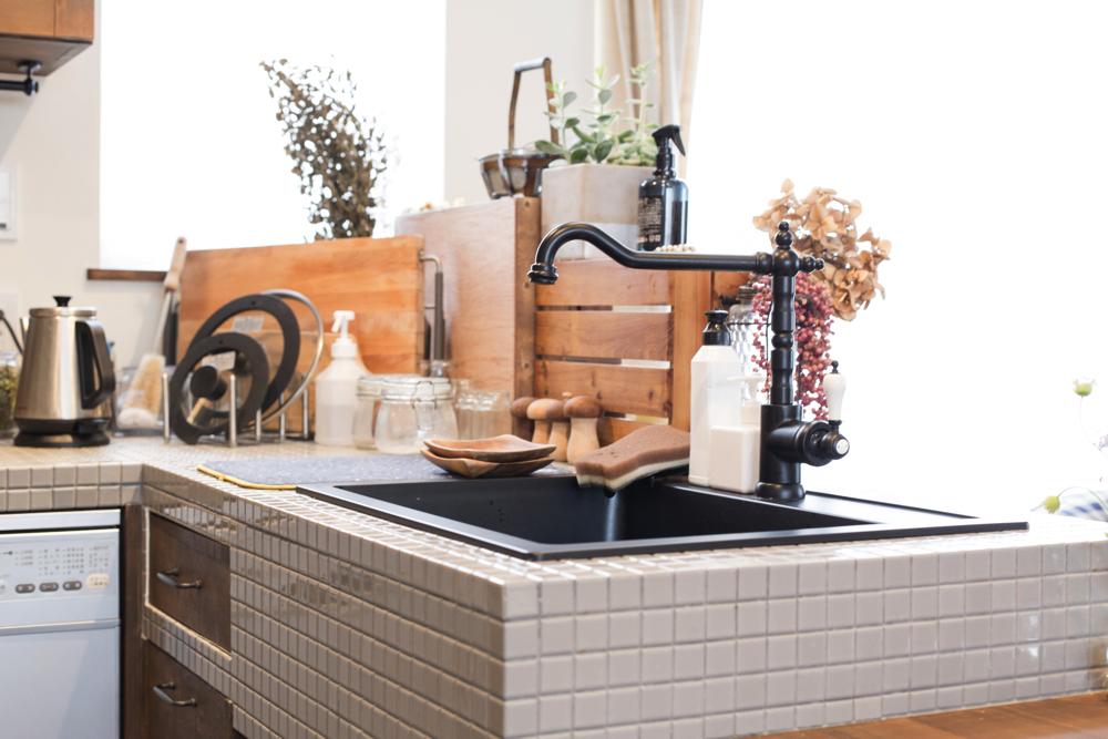 タイルや水栓、シンクなど全てこだわって選んだ造作キッチン