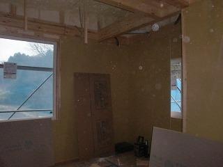 キッチン羽目板施工、2階ボード貼り!