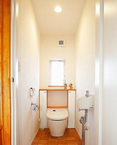 便座の背面のデッドスペースを活用したトイレ収納