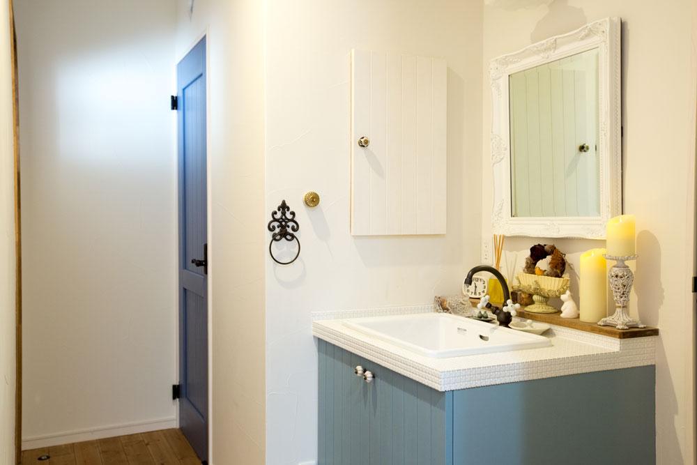 現場の職人のアイデアが生きる造作洗面台