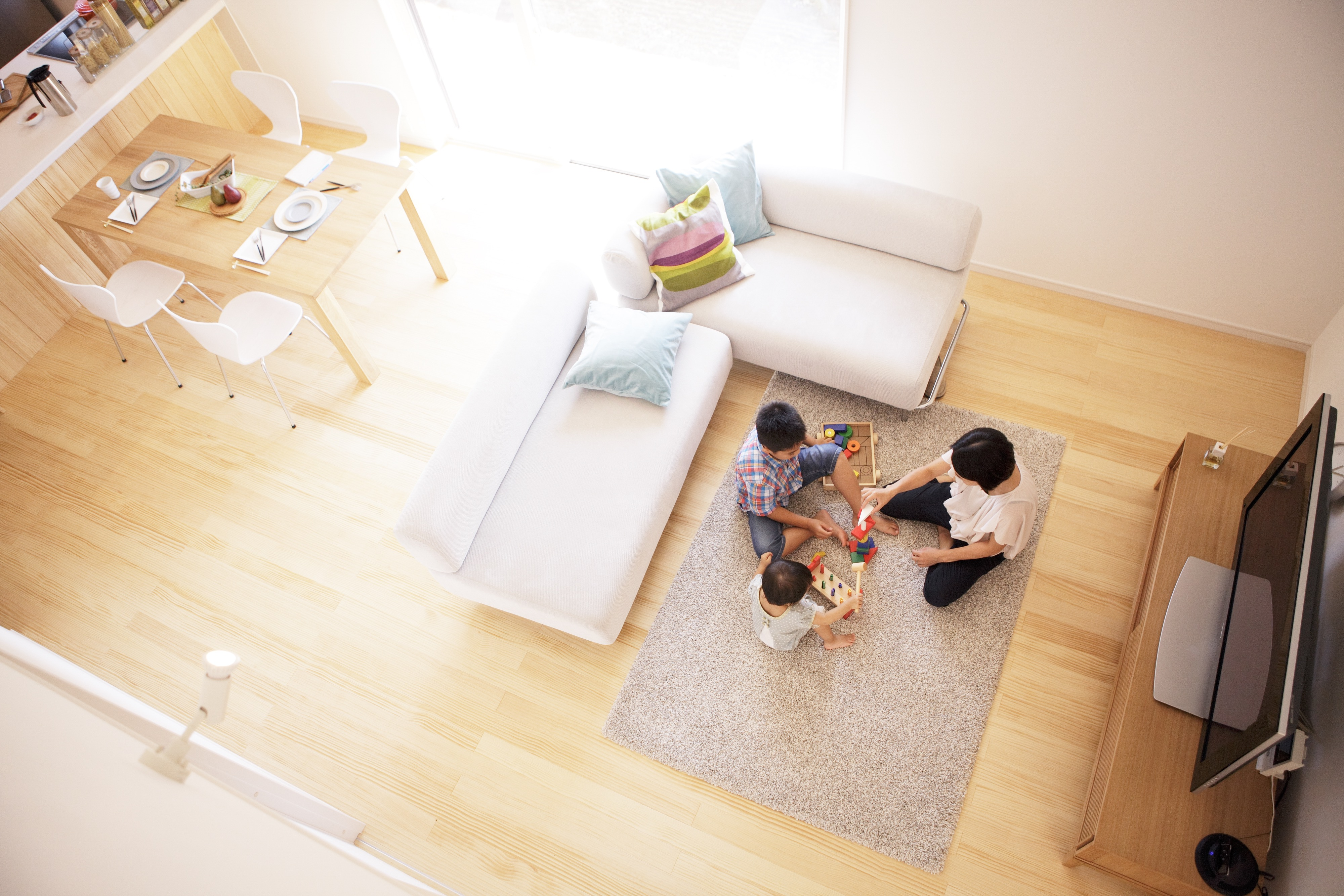 アイシネンの家の内観、夏涼しく、冬温かい家づくりに お客様の声~施主様インタビュー
