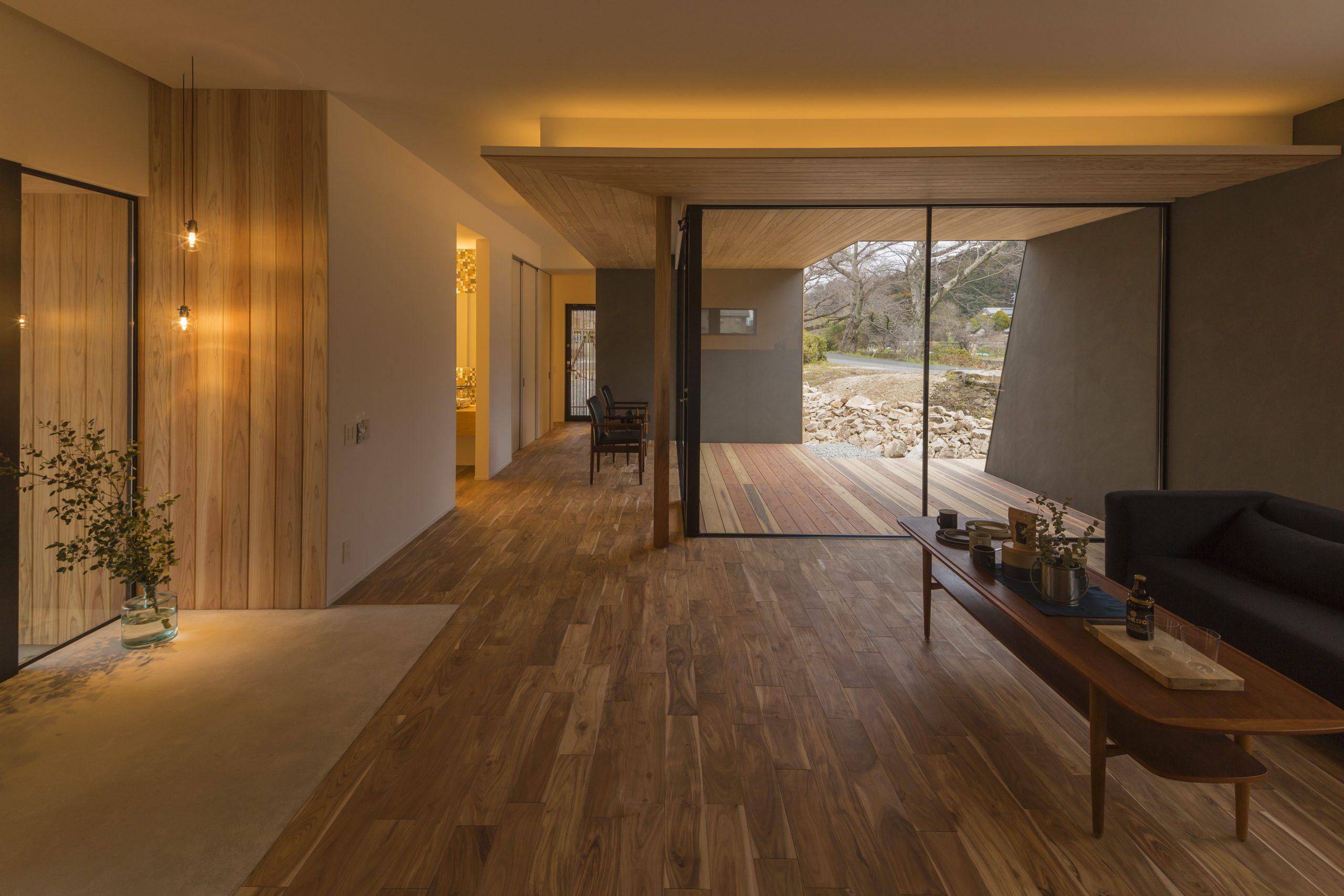 平屋のリビング、開放的な空間