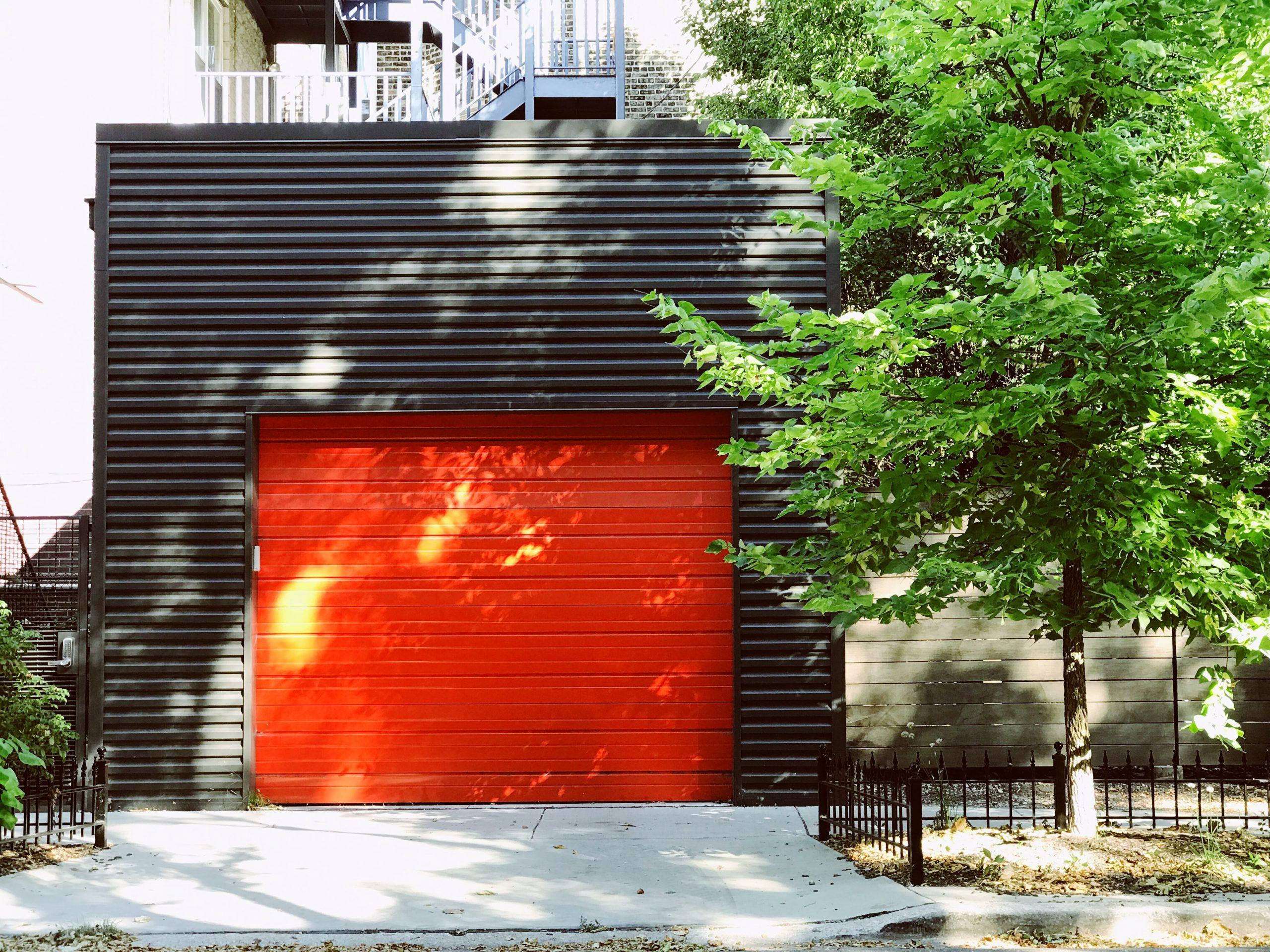 ガレージのある家のデザイン事例