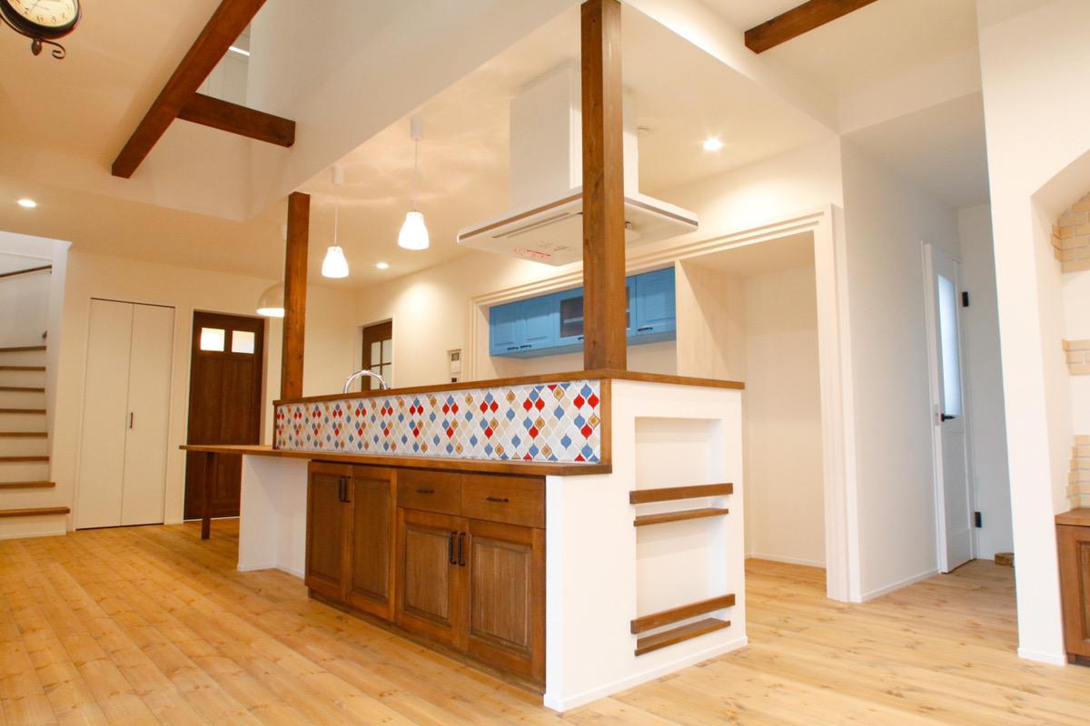 完全個別完成見学会『愛知県刈谷市今岡町』漆喰と洋瓦をつかったナチュラルなお家。