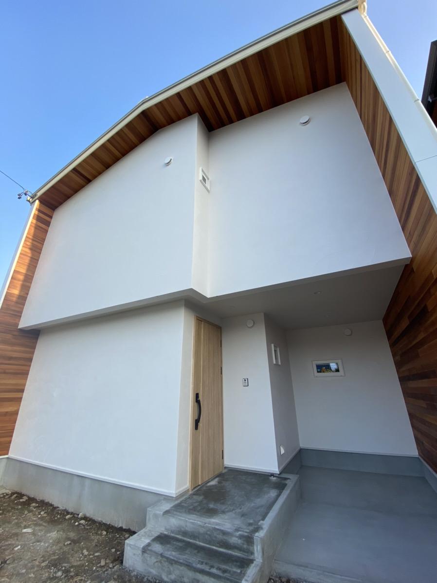 豊川市完成見学会 自然素材に囲まれたシロイハコ
