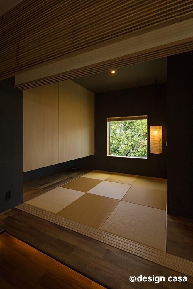 ピクチャーウインドウからの風景が美しい和室