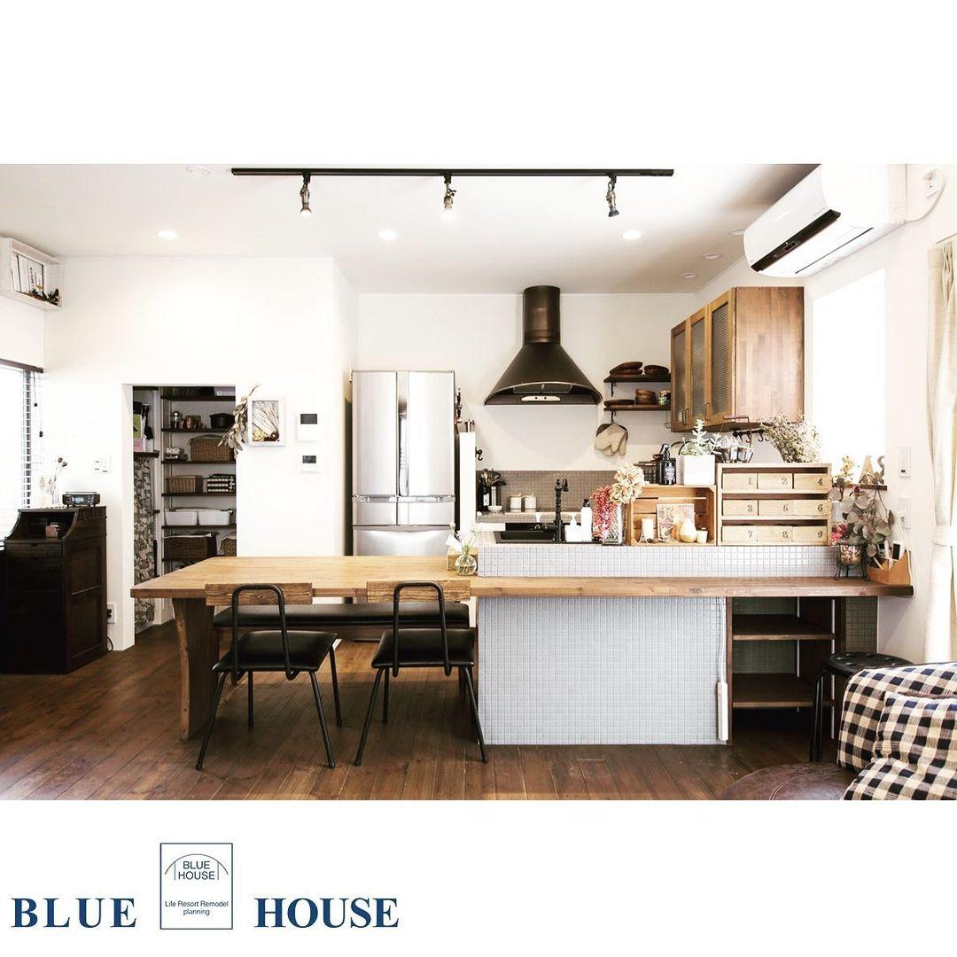 キッチン横の半個室パントリー