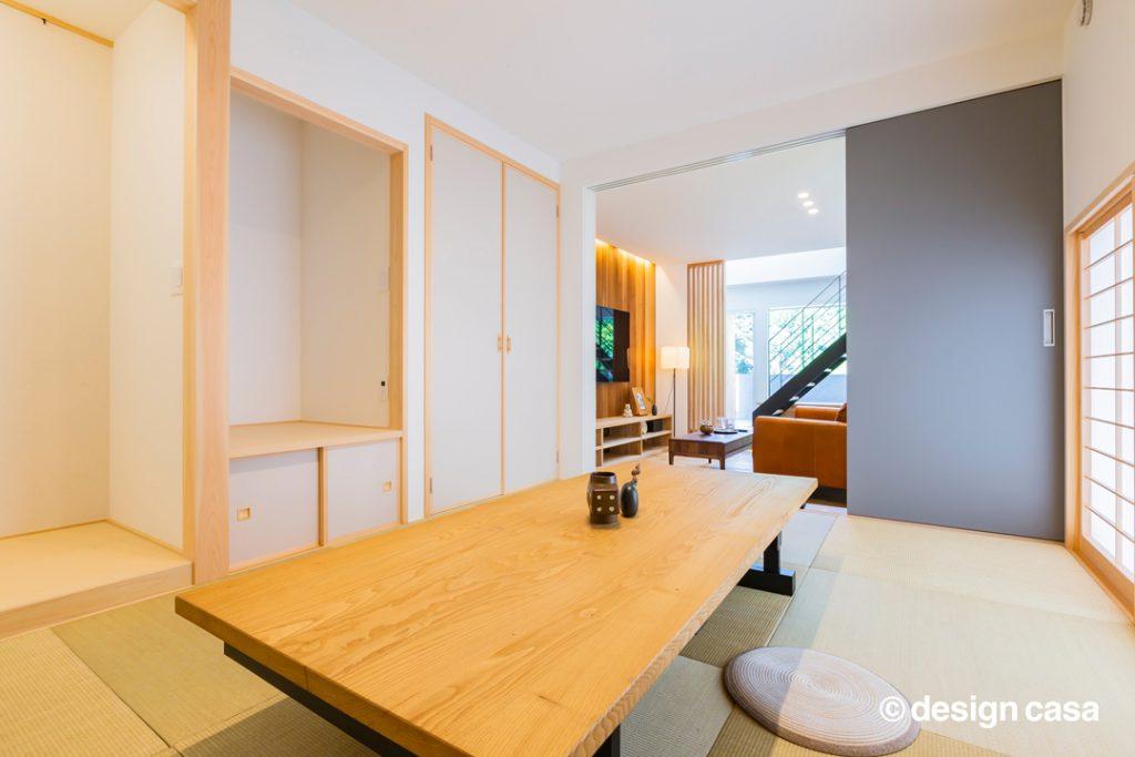 床の間のある小上がり和室