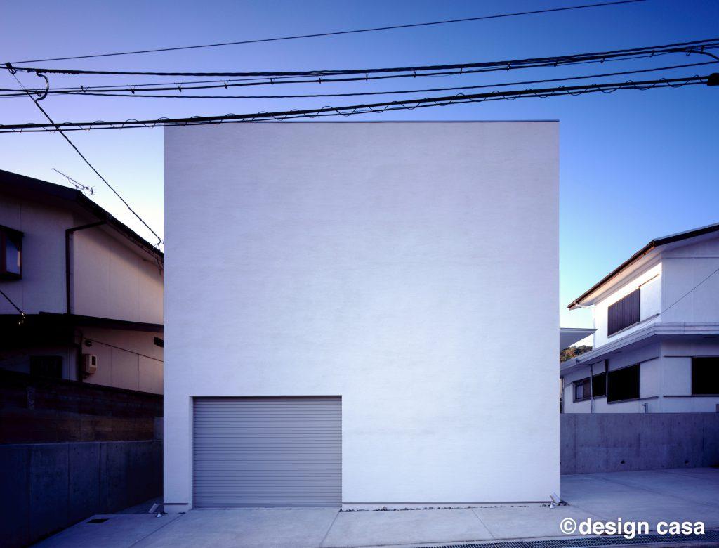 キューブ型のガレージハウス