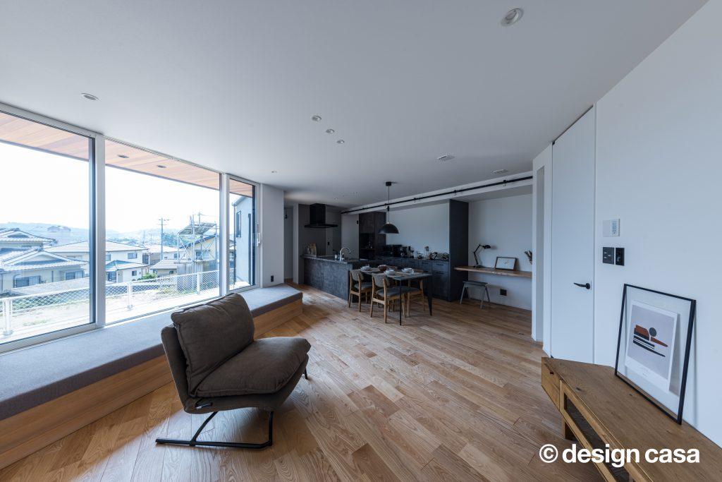 シンプルな家の内装実例(LDK)